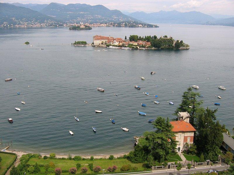 Lake orta italy lake maggiore from stresa funivia for Stresa lake maggiore